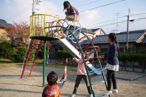 公園で遊ぶの大好き!