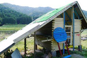 子ども達の手作りの小屋