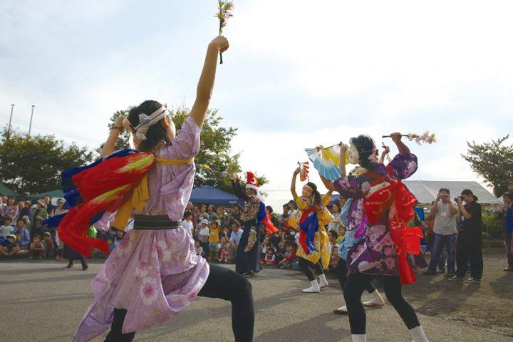 伝統舞踊の中野七頭舞