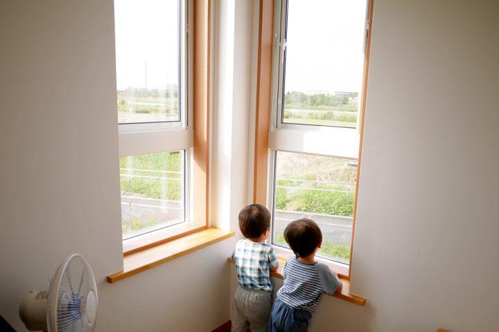 窓からは多摩川が見える1