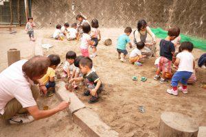 皆で遊べる大きな砂場